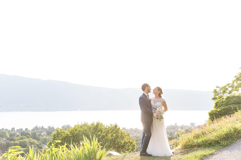couple mariage chateau menthon saint bernard lac annecy